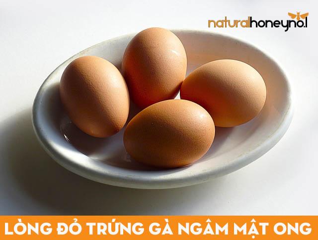 lựa chọn trứng gà tươi, sạch, tránh mua trứng gà công nghiệp, trứng gà bị hỏng hay úng