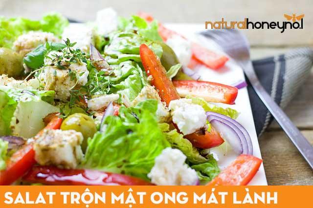 Món salat trộn mật ong mát lành